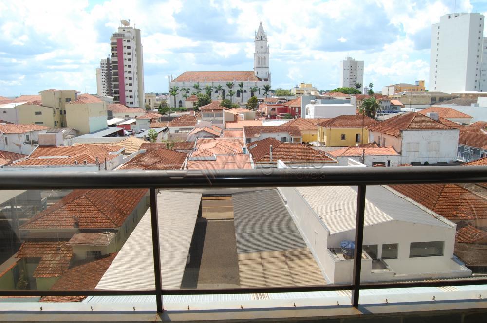 Alugar Apartamento / Padrão em Franca R$ 800,00 - Foto 4