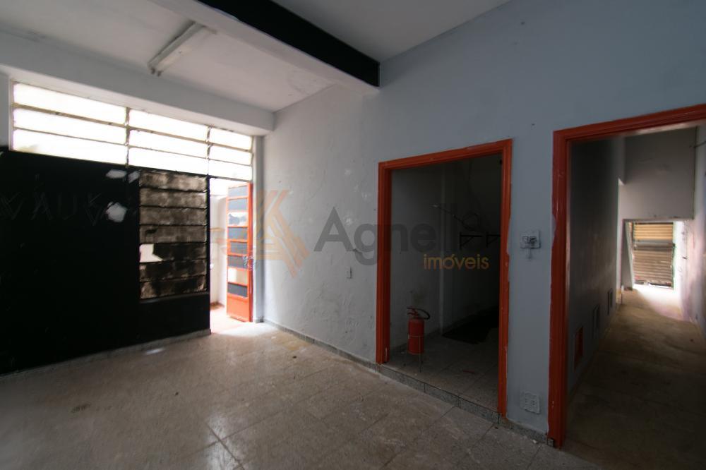 Alugar Comercial / Prédio em Franca R$ 2.500,00 - Foto 4