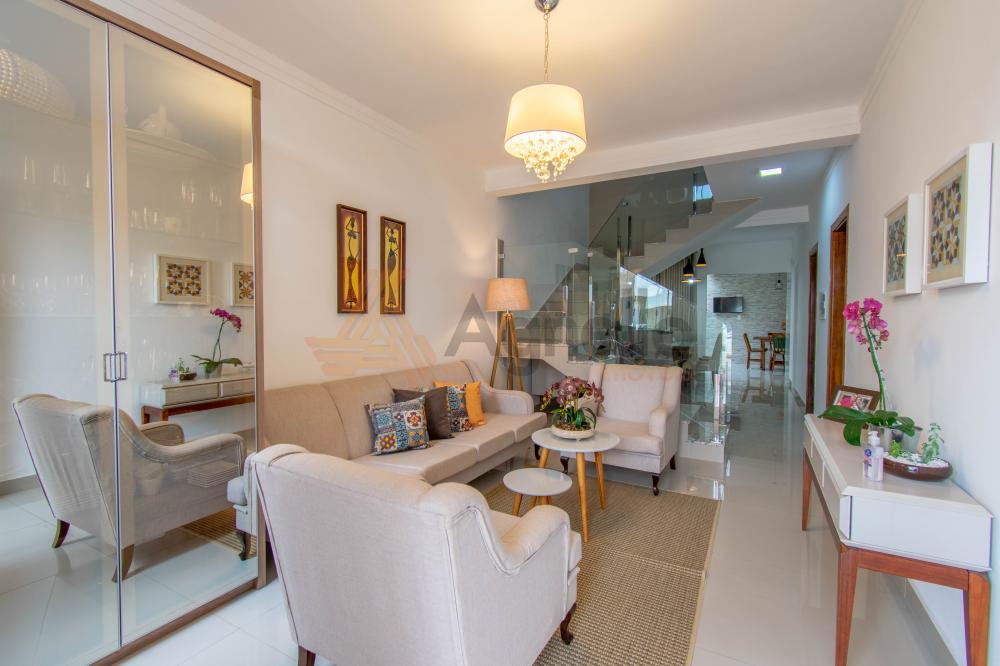Franca Casa Venda R$870.000,00 Condominio R$320,00 3 Dormitorios 1 Suite Area construida 204.88m2
