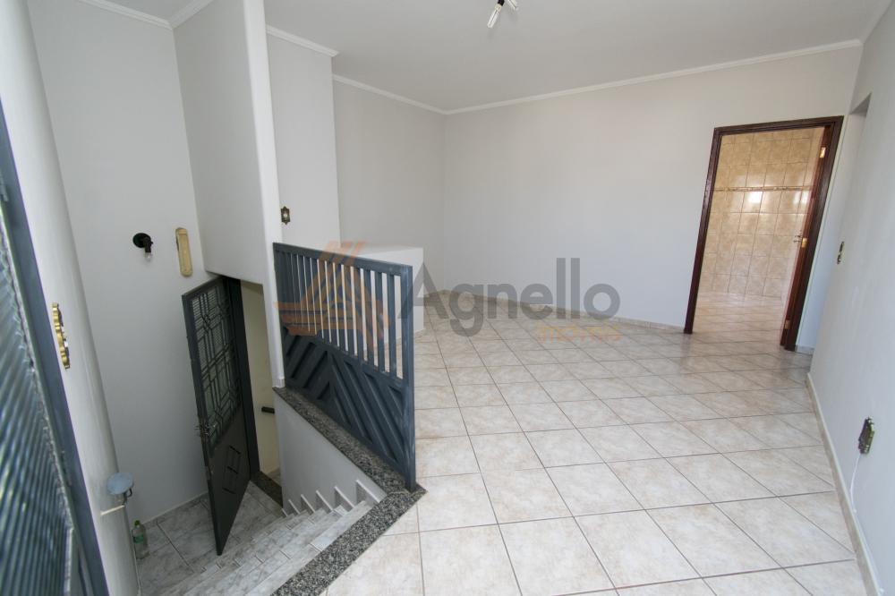 Alugar Apartamento / Padrão em Franca R$ 1.015,00 - Foto 2