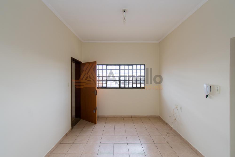 Alugar Apartamento / Padrão em Franca R$ 700,00 - Foto 2