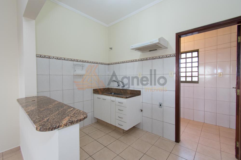 Alugar Apartamento / Padrão em Franca R$ 700,00 - Foto 4