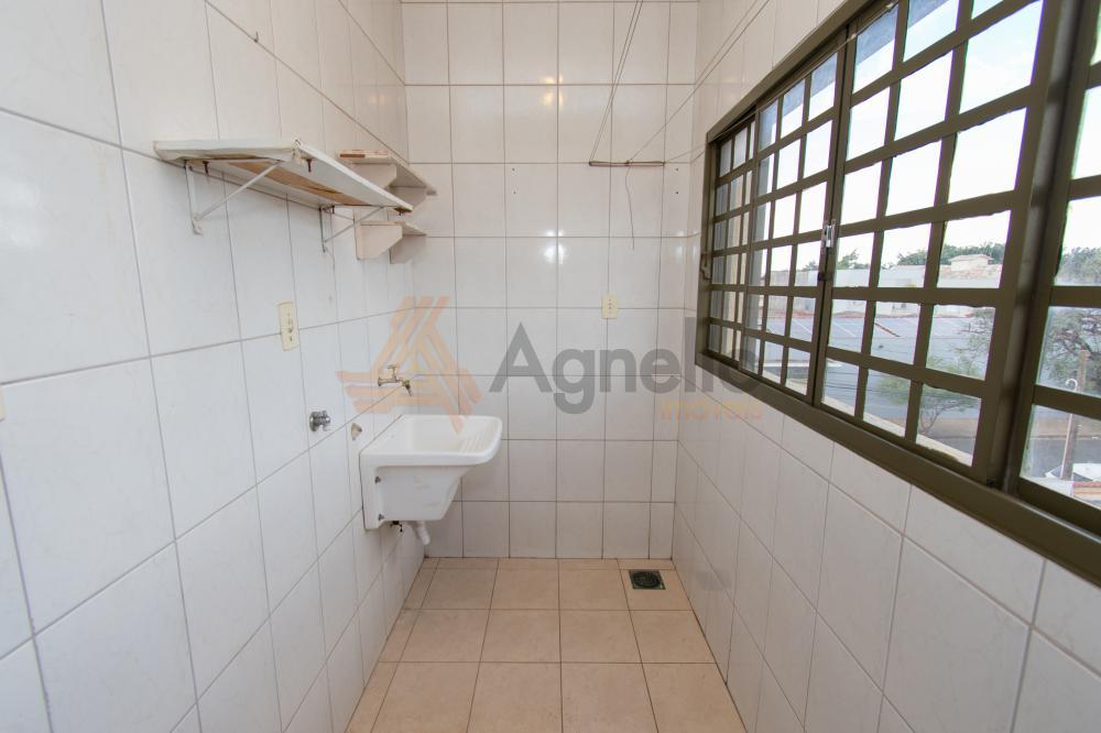 Alugar Apartamento / Padrão em Franca R$ 700,00 - Foto 6