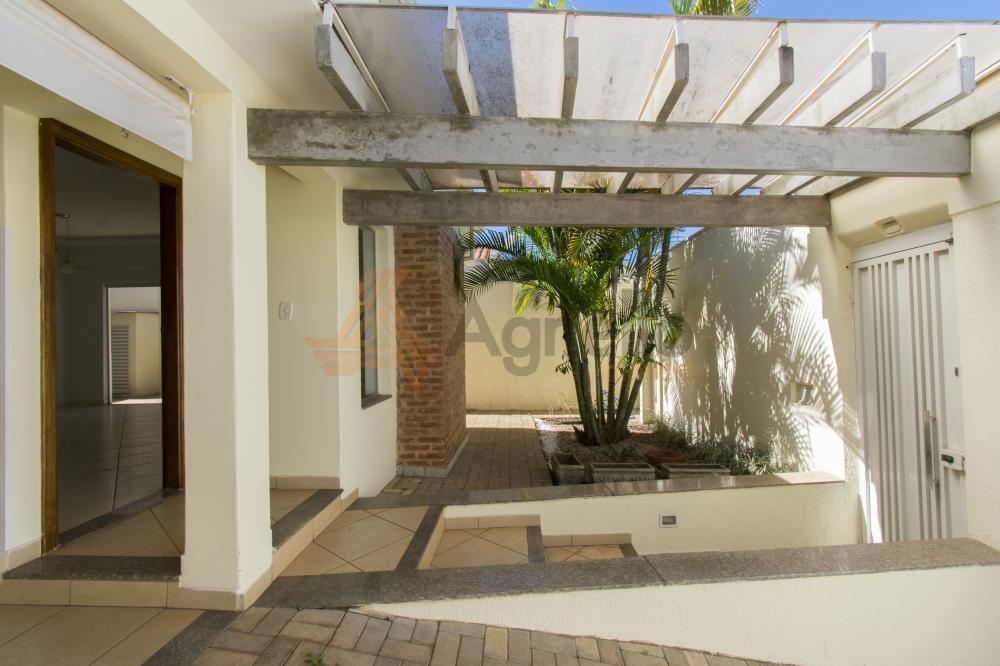 Comprar Casa / Bairro em Franca R$ 550.000,00 - Foto 2