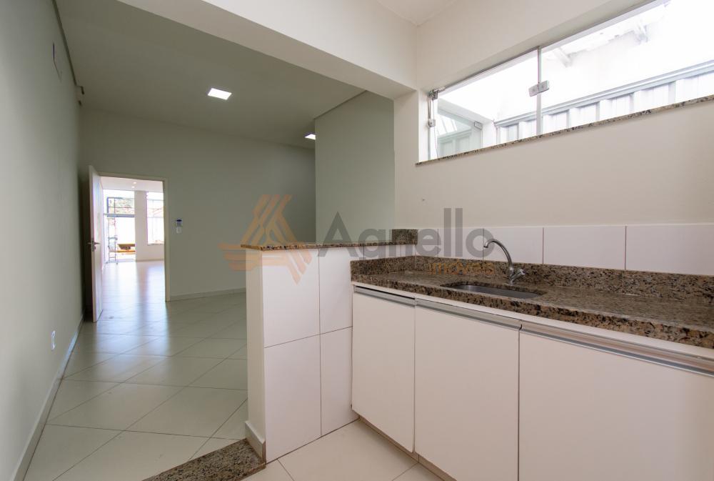 Alugar Comercial / Prédio em Franca R$ 2.800,00 - Foto 6
