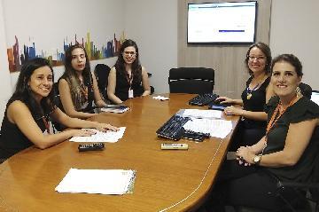 Equipe de locação participa de treinamento sobre título de capitalização