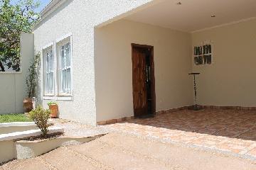 Alugar Casa / Padrão em Franca. apenas R$ 1.050.000,00