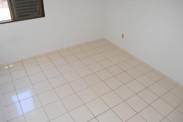Alugar Apartamento / Padrão em Franca R$ 690,00 - Foto 11
