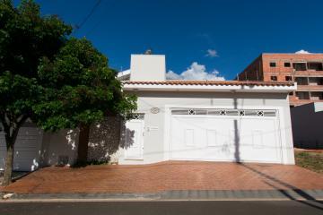 Alugar Casa / Padrão em Franca. apenas R$ 585.000,00