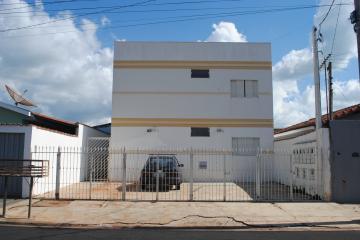 Alugar Apartamento / Padrão em Restinga. apenas R$ 600,00