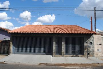 Alugar Casa / Padrão em Franca. apenas R$ 1.200,00