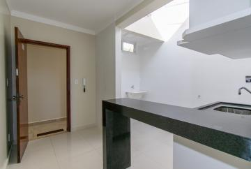 Alugar Apartamento / Kitnet em Franca R$ 700,00 - Foto 3