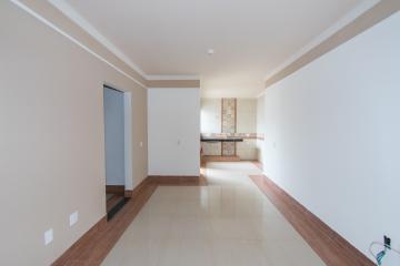 Alugar Apartamento / Padrão em Franca R$ 900,00 - Foto 2
