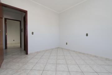 Alugar Apartamento / Padrão em Franca R$ 1.015,00 - Foto 8