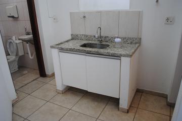 Alugar Comercial / Loja em Franca R$ 2.500,00 - Foto 8