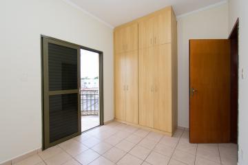 Alugar Apartamento / Padrão em Franca R$ 700,00 - Foto 9