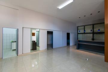 Alugar Comercial / Prédio em Franca R$ 4.500,00 - Foto 8